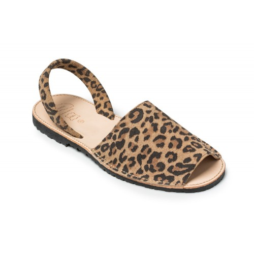 spaanse sandalen-Menorquina-Avarca-Ibiza-luipaard-dames-500×500