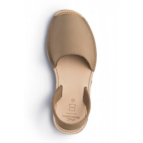 Menorquina-avarca-beige-spaanse sandaal-menorquinasnl-500×500